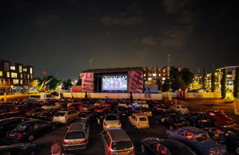 Verhuur projectieschermen drive in bioscoop for Drive in bioscoop